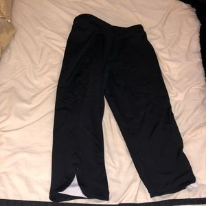 Gap Body Black Cropped Leggings